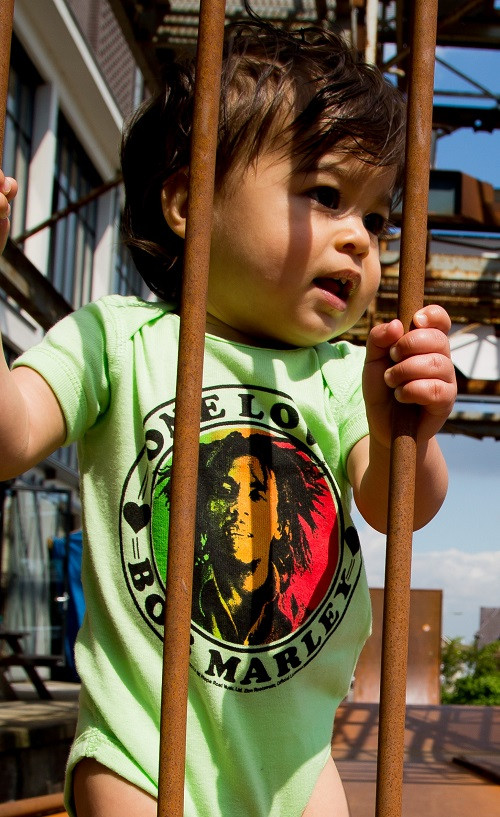 Bob Marley Baby romper One Love Lime fotoshoot